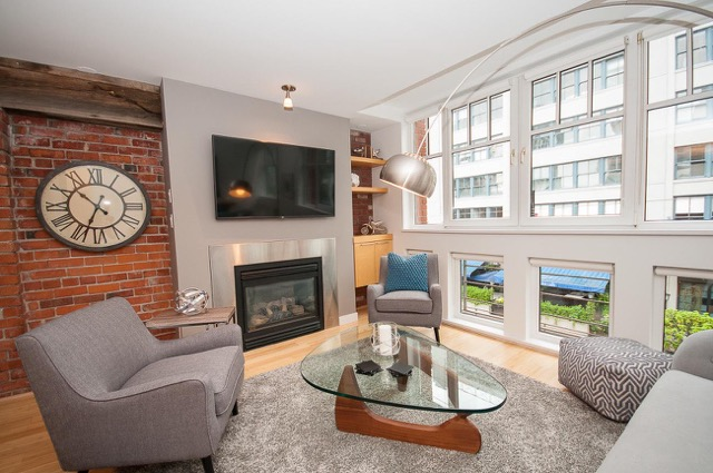 4352-19-for-rent-in-Downtown-1